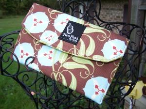 accessory-bag-in-nigella-vines1