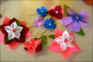 A few finished products...we all wore the hairclips today to go shopping!