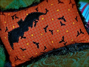 Love bats...I did some shirts like this too!